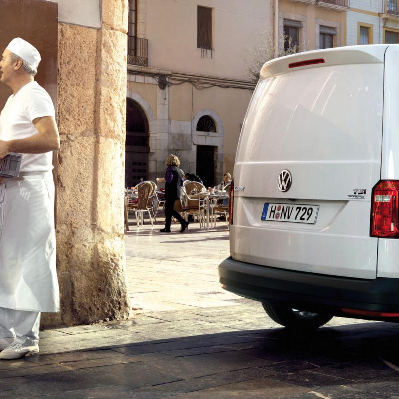 Koelwagen Caddy wit 3/4 van achter bakerij koeltransport