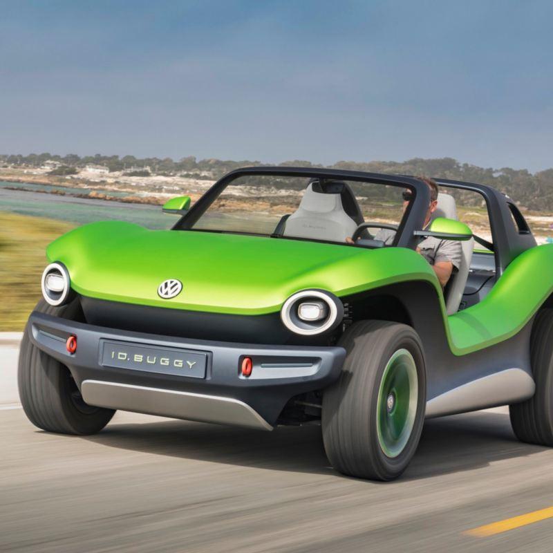 ID. Buggy - El auto eléctrico concepto de Volkswagen en carretera