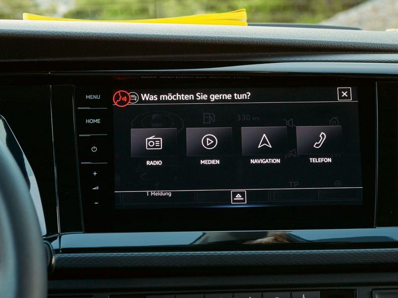 """A ativação por voz do sistema de navegação """"Discover Pro"""" da Volkswagen."""