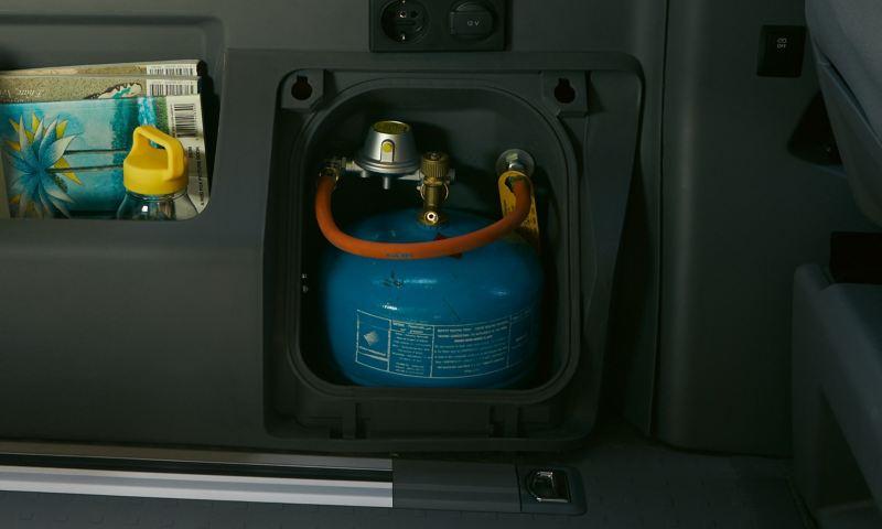 Pojemnik na butlę gazową w Volkswagen California 6.1 Beach.