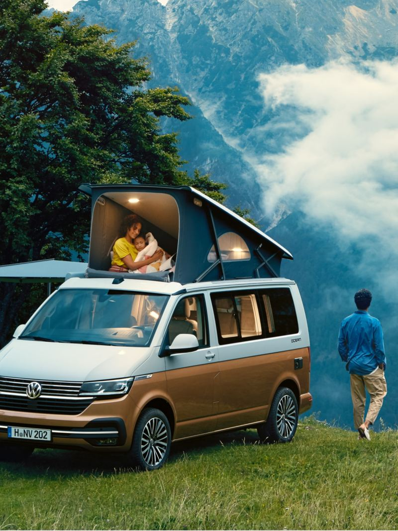Campa i naturen med VW California campingbil