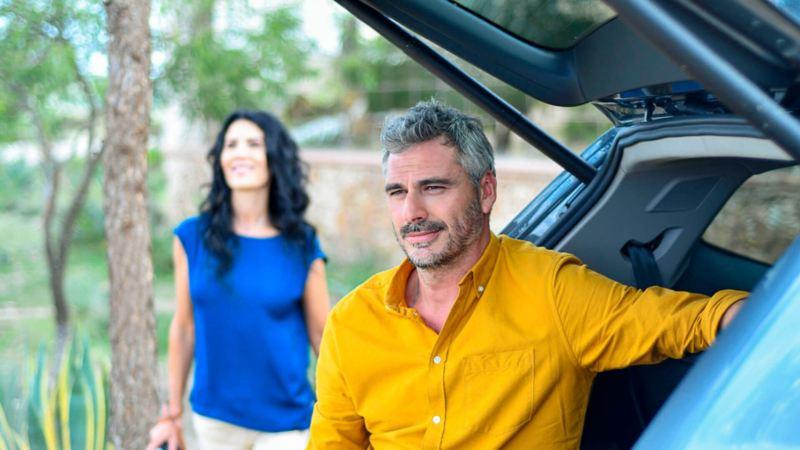 Pantalla con Park Assistant presente en SUV Teramont 2020 de Volkswagen para estacionarse fácilmente
