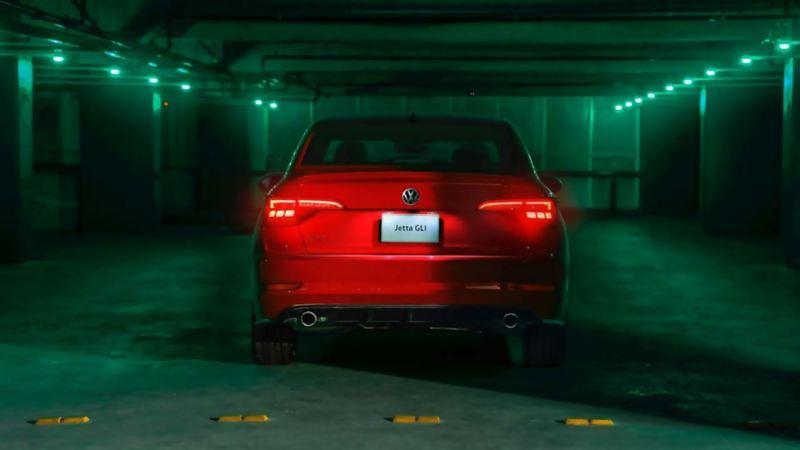 Cámara trasera equipada en auto deportivo Jetta GLI de Volkswagen