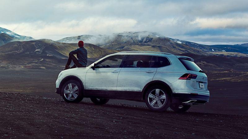 Camioneta Volkswagen equipada con llantas resistentes.