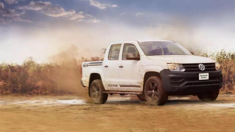 Amarok, la Camioneta Pick Up de Volkswagen México sobre terracería
