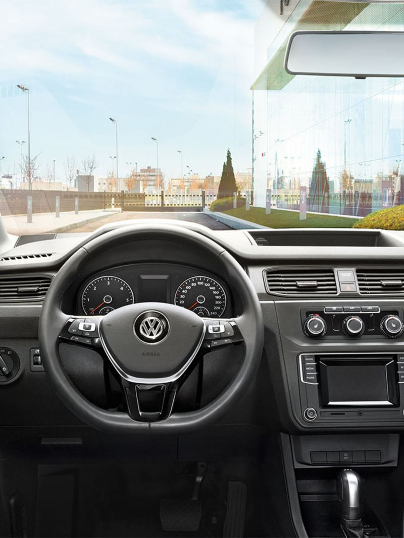 vw-caddy-commercial-cockpit