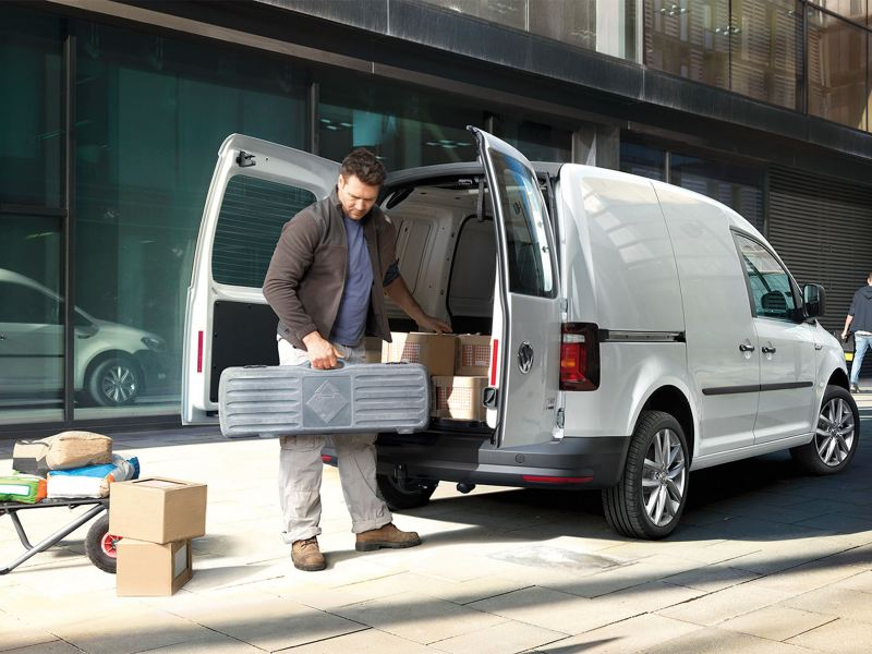 vw-caddy-commercial-delivery-van-loading-compartment