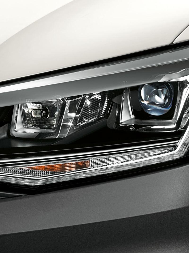 Volkswagen Caddy Skåp med bi-xenon-strålkastare