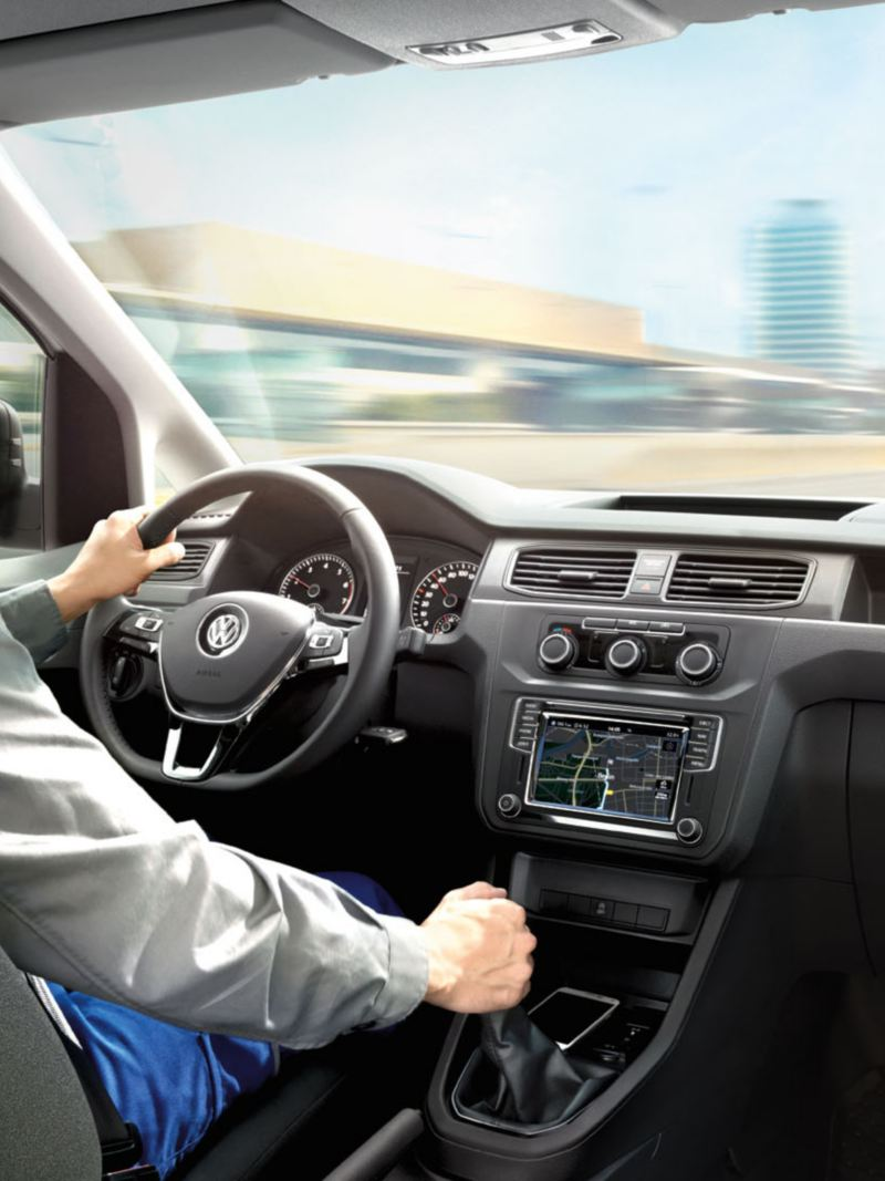 vw-caddy-commercial-driving-cockpit