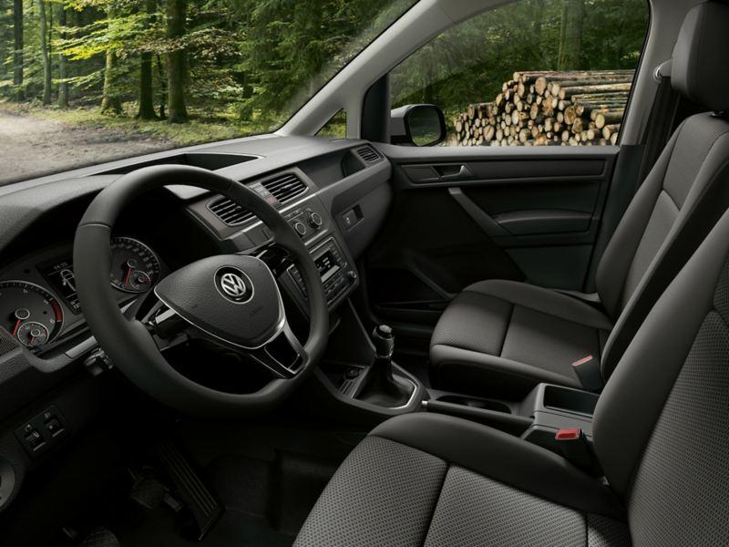 vw Volkswagen Caddy Alltrack varebil interiør førerhus skog