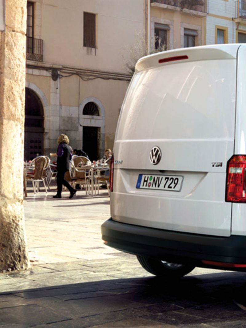vw-caddy-commercial-bakery-loading