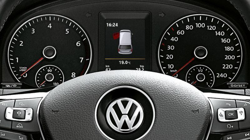 Volkswagen Caddy Personbil 7-sits familjebil ratt och instrumentpanel