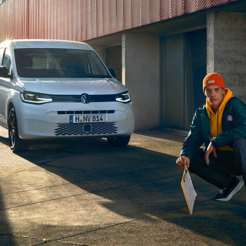 Der neue Volkswagen Caddy Cargo von vorne.