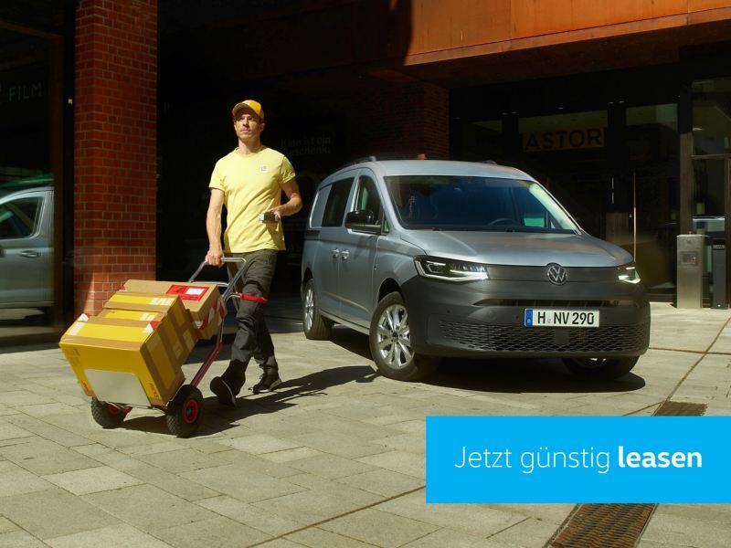 Der neue Volkswagen Caddy Cargo im Einsatz als Kurierdienstwagen.