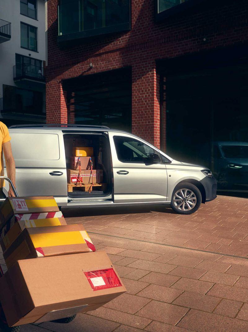 Kurier przy nowym Caddy Cargo