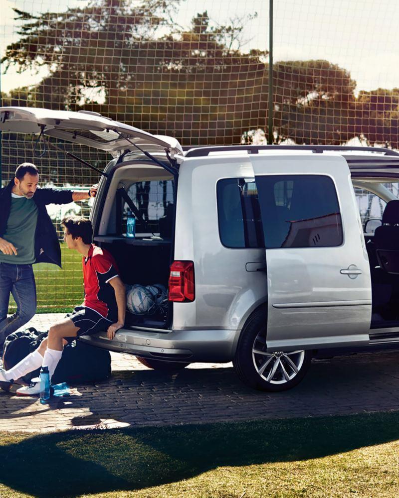 VW Caddy Personbil familjebil 7-sits fotbollslag