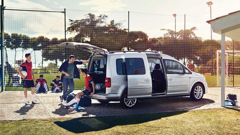 ABT e-Caddy Maxi Trendline med fotbollsteam