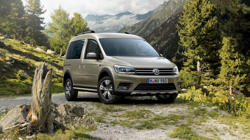 VW Caddy Alltrack i naturen