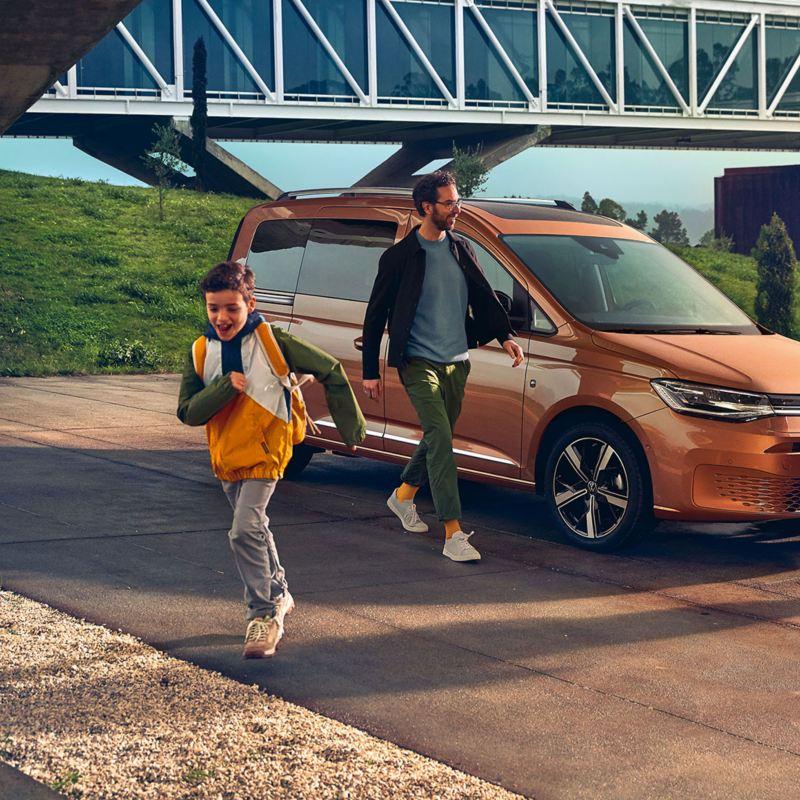 Le nouveau Caddy Volkswagen comme véhicule familial.
