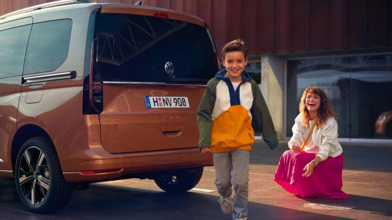 Den Nye Caddy 5 stor personbil familiebil stort bagasjerom 7-seter digital cockpit infotainment artikler anmeldelser