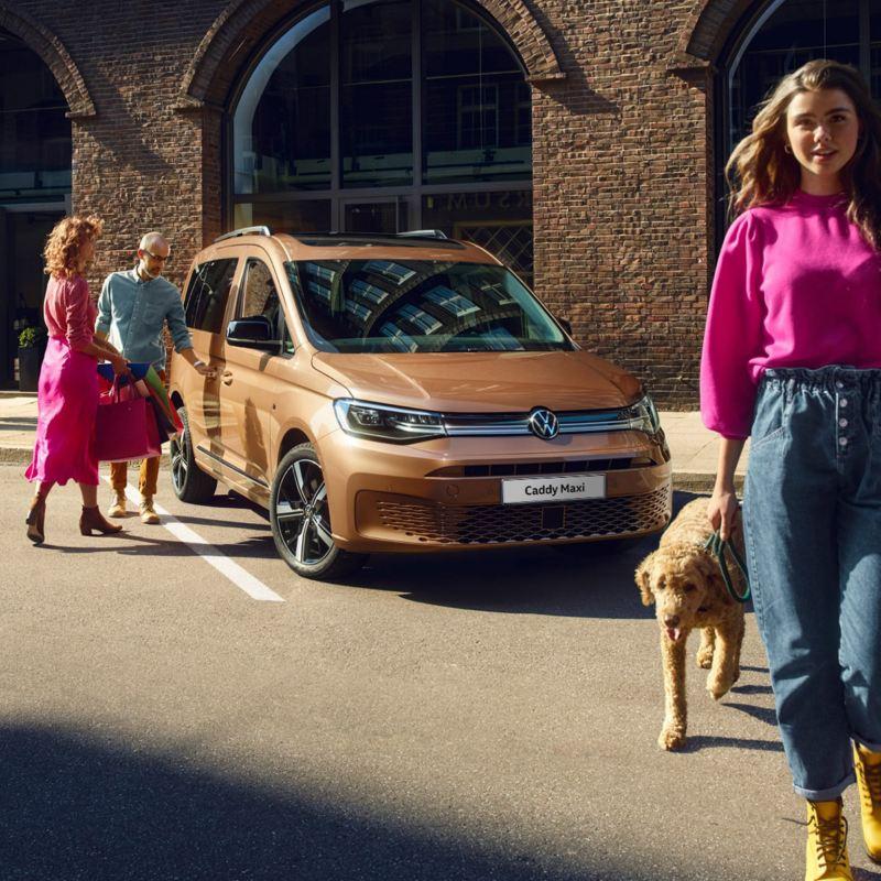 Den nye vw volkswagen Caddy stor familiebil med 7-seter og stort bagasjerom