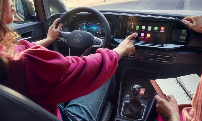 Os indicadores digitais da carrinha Caddy.