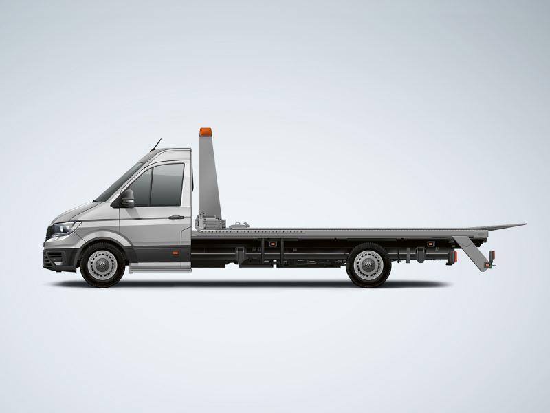 Ein Volkswagen Crafter als Abschleppwagen vor einem weißen Hintergrund.