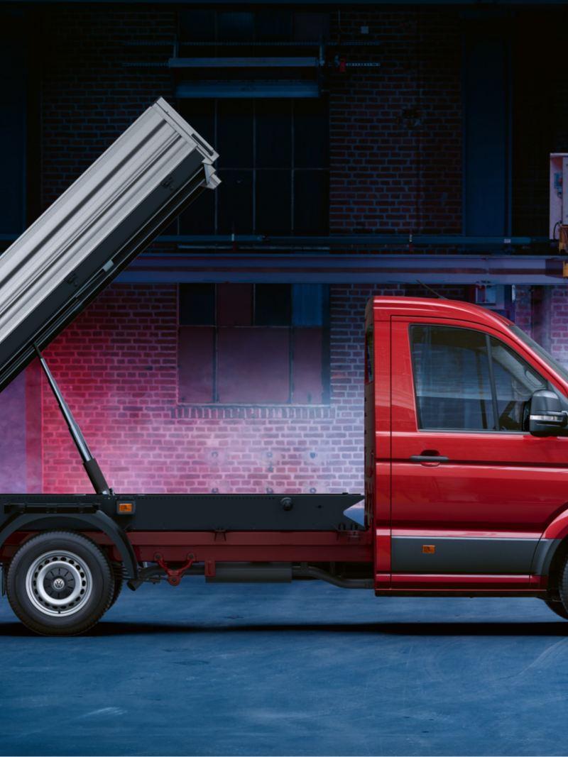 vw Volkswagen rød Crafter varebil arbeidsbil kassebil chassis enkeltkabin pickupplan lasteplan enveistipp