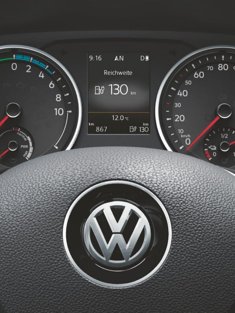 VW e-Crafter lätt lastbil elbil instrumentpanel och multifunktionsratt
