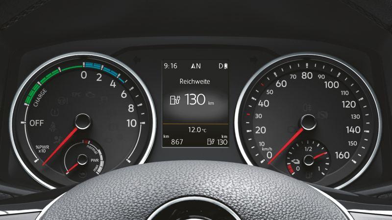 Un compteur de vitesse en vue de face.