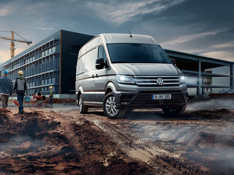 Volkswagen Crafter kuvattuna sivusta