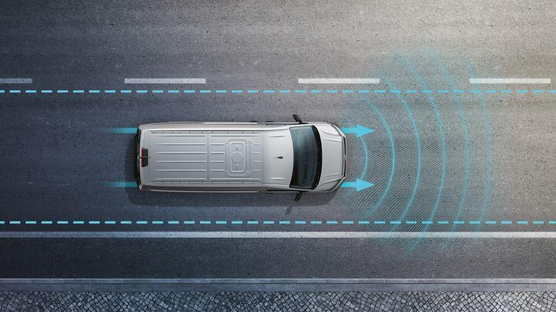 Eine Illustration des Volkswagen Nutzfahrzeuge Crafter zeigt aus der Vogelperspektive, wie eines seiner Assistenzsysteme funktioniert.