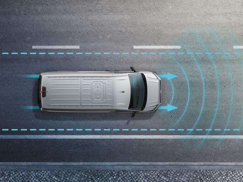 L'illustration du Crafter Volkswagen Véhicules Utilitaires montre,  en perspective aérienne, comment fonctionne l'un de ses systèmes d'aide à la conduite.
