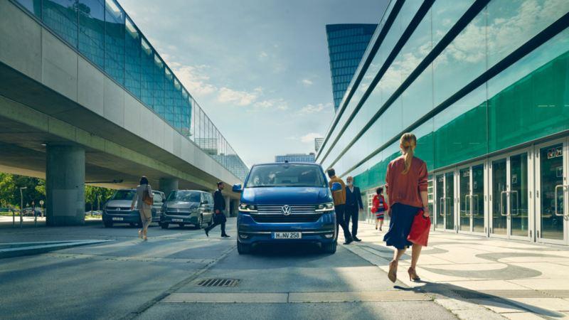 Volkswagen Caravelle front