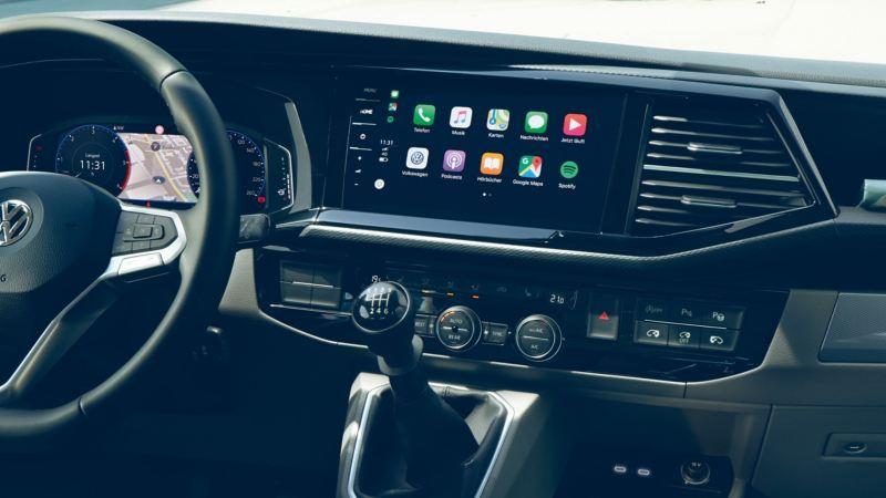 vw Volkswagen Caravelle varebil familiebil rullestolbil maxitaxi taxi persontransport digital cockpit førerhus radio infotainment
