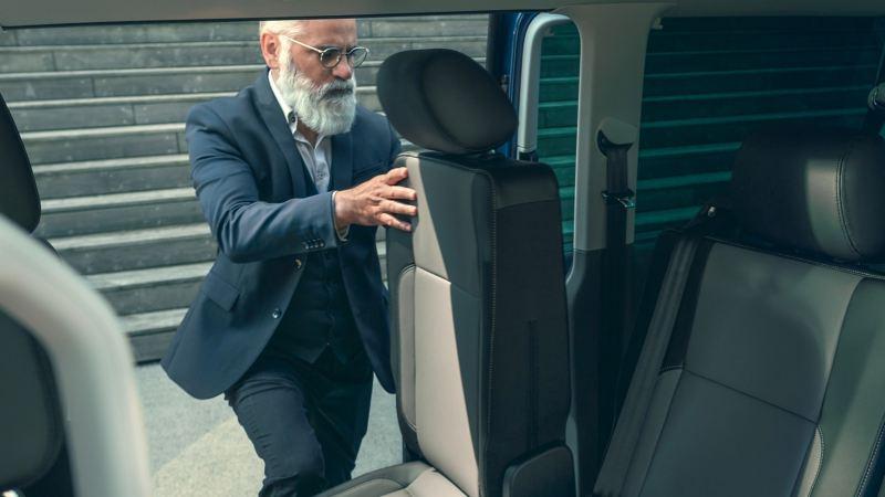 vw Volkswagen Caravelle 6.1 personbil familiebil minibuss minivan NAV bil med 8 eller 9 seter og fleksible seteløsninger for persontransport