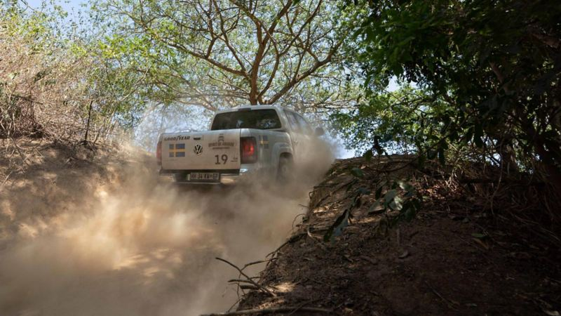 """Dammet ryker om Amaroken i världens största offroadtävling """"Spirit of Amarok"""" i Sydafrika"""