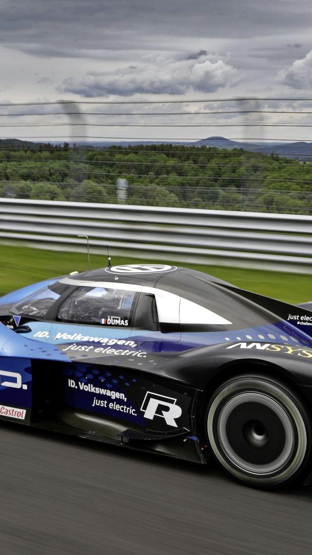 Volkswagen ID.R wraca do Goodwood, aby bronić tytułu najszybszego auta elektrycznego