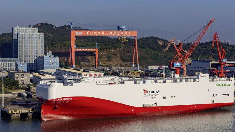 Volkswagen będzie pierwszym przedsiębiorstwem, które zacznie stosować płynny gaz ziemny LNG do napędu statków do transportu aut