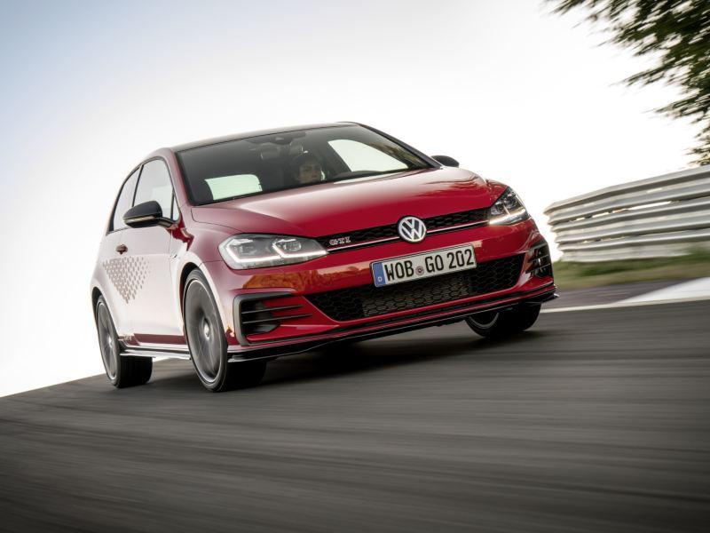 Golf z genami auta wyścigowego: Volkswagen rozpoczął sprzedaż Golfa GTI TCR