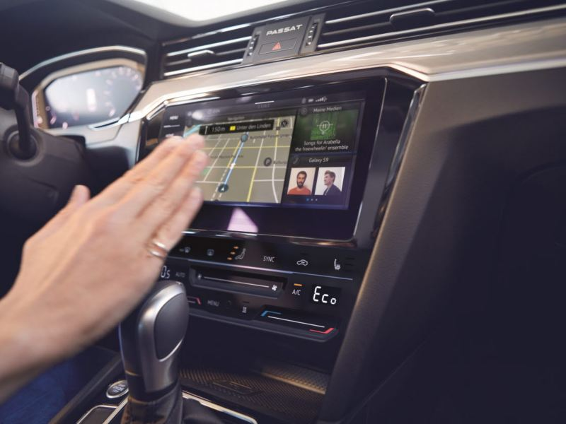 """""""Discover pro"""" infotainment system"""