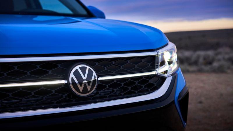 Diseño Exterior de Nuevo Taos Volkswagen con parrilla central iluminada, faros LED, plataforma MQB