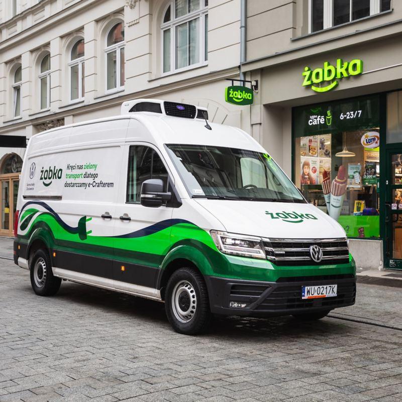 Żabka rozwija nowoczesną logistykę i kupuje Volkswageny e-Craftery