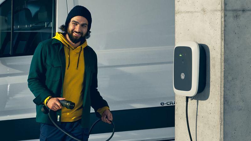 vw Volkswagen e-Crafter  elvarebil el kassebil arbeidsbil firmabil lading hurtiglader håndverker