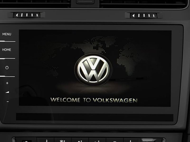 Large touchscreen in the e-golf dashboard