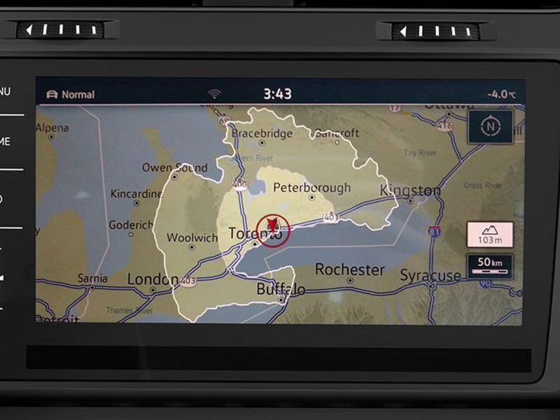 Écran tactile présentant l'autonomie disponible sur la e-golf