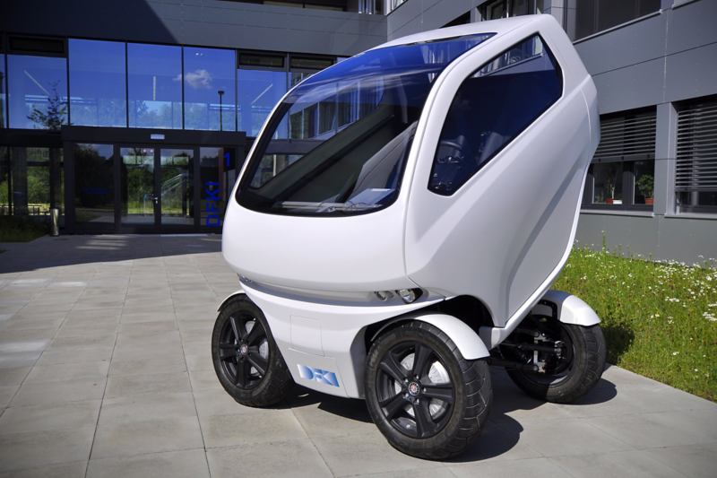 """The """"EO smart connecting car"""" electric vehicle can turn its wheels sideways"""