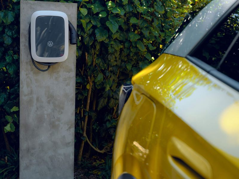 Volkswagen ID.4 charging from an outdoor wall box