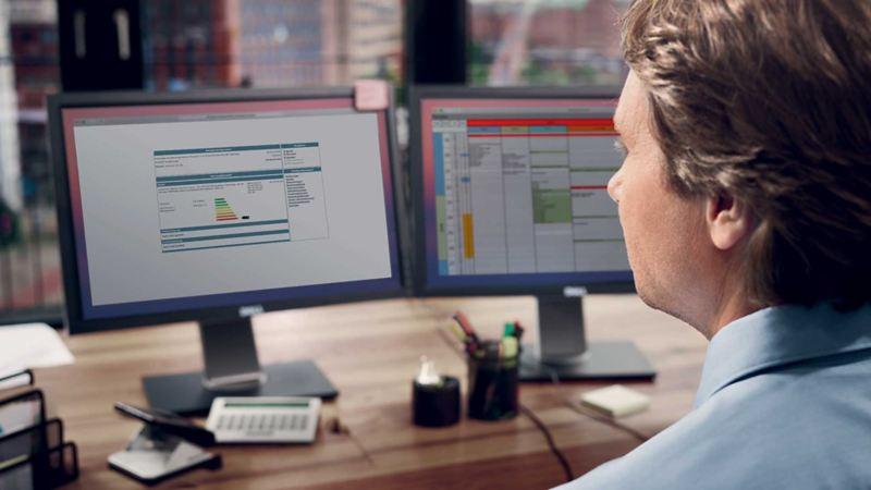 datamaskin PC kontor biladministrasjon Fleetweb flåtekunde vw Volkswagen varebil