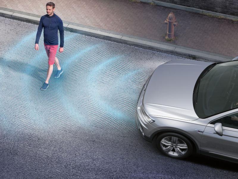 Front Assist 車前碰撞預警系統 (含AEB 自動輔助緊急煞車功能)*